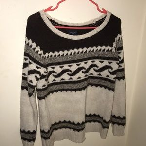 American Eagle Brown and white Sweater